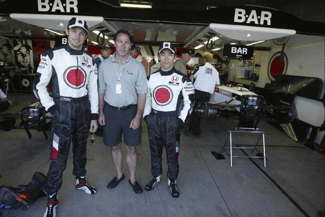Wicks meets BAR F1 drivers Jenson Button and Takuma Sato